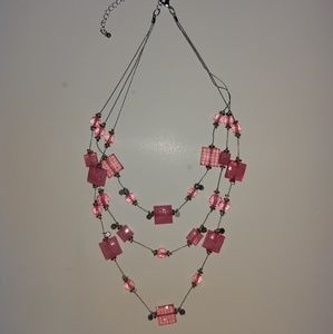 💎 Pink jeweled necklace